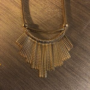 Gold statement necklace 💛